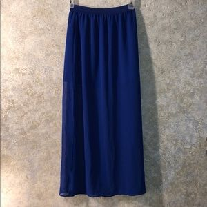 Size 6 full length skirt overlay with mini lining
